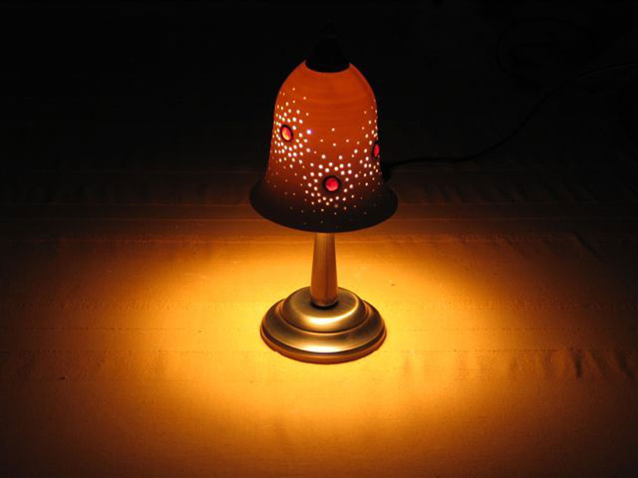 lights fixtures- Porcelain bell table lamp, set with glass